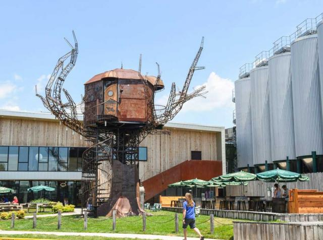 Exterior of Dogfish Head Brewery