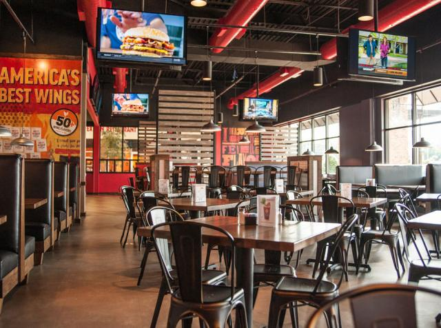 The Chicken Wing Chain With Major Growth Plans Fsr Magazine