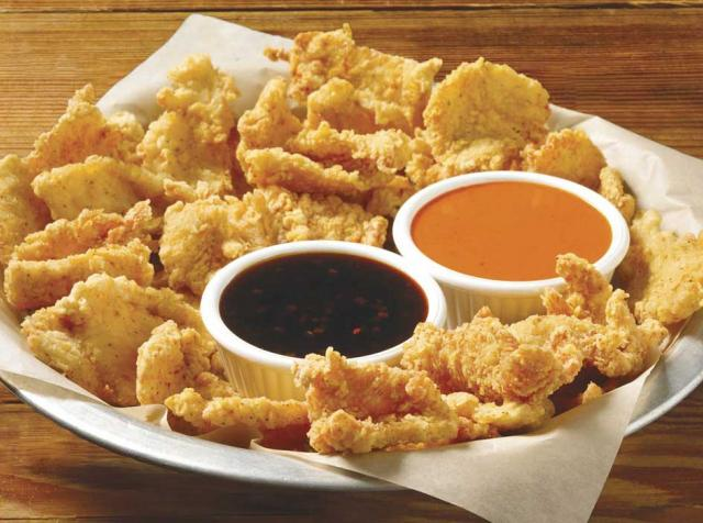 Dish of Hooters Chicken chips