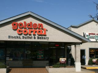 Golden Corral exterior of restaurant.
