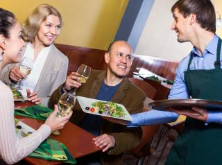 6 Steps to Turning First-Time Guests Into Lifelong Regulars