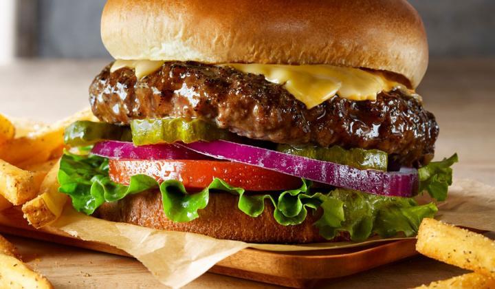 TGI Fridays' Cheeseburger.
