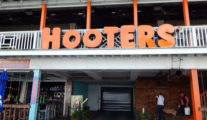 Exterior of a Hooters restaurant.