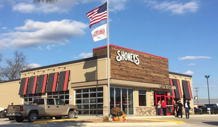 Exterior of Shoney's.