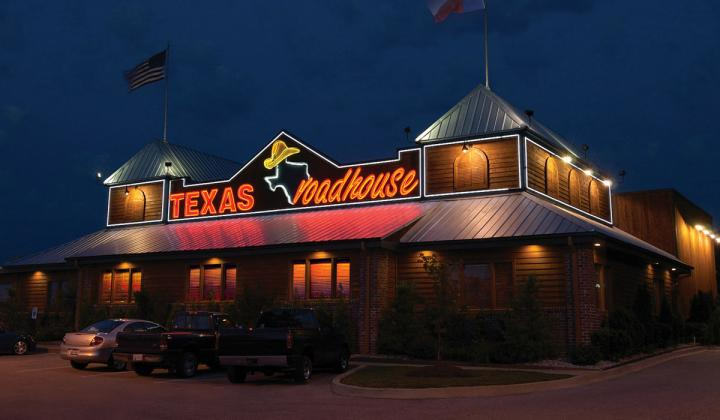 The exterior of a Texas Roadhouse restaurant.