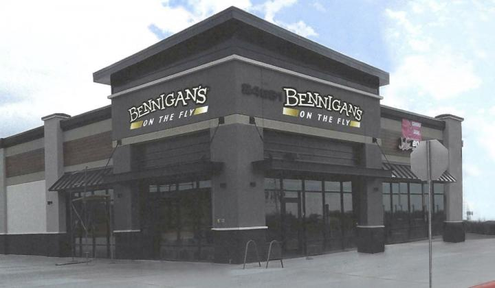 Bennigan's on the Fly exterior.