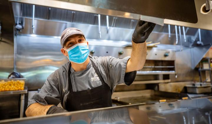 First Watch employee wearing a mask.