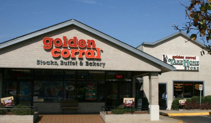 Golden Corral exterior of restaurant.
