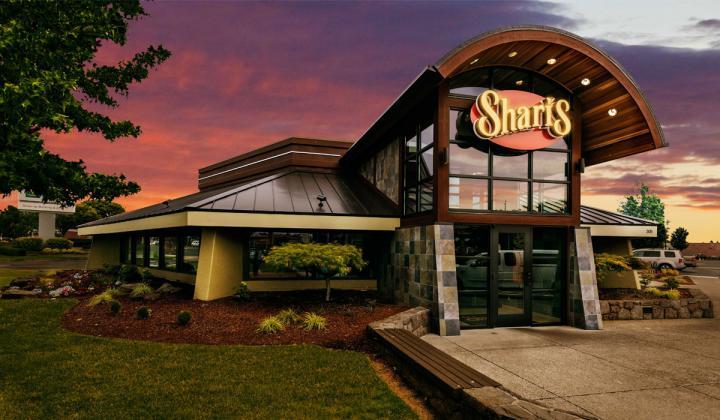 Shari's exterior of restaurant.