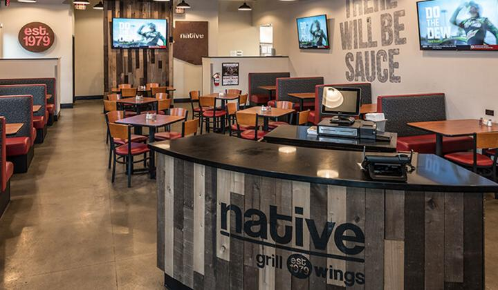 Native Grill & Wings interior.