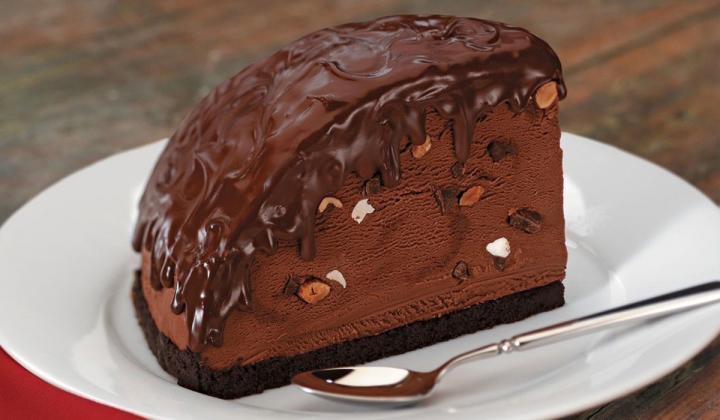 Bennigan's dessert.