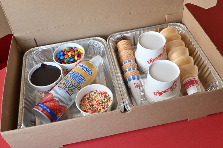 Friendy's make-your-own sundae kit