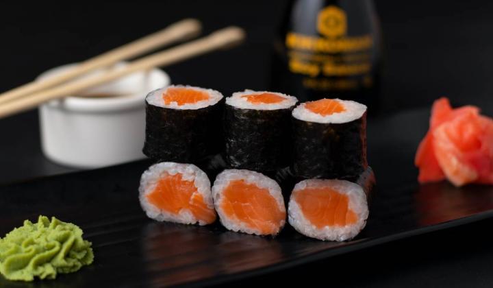 Tiny Giant Sushi menu item.