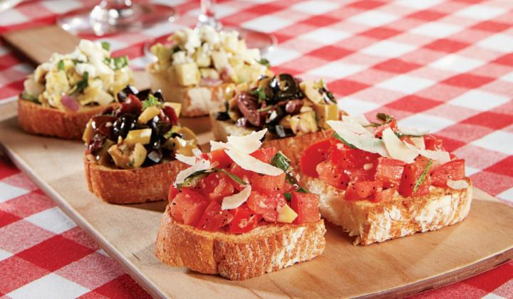 Though Grimaldi's is known best for its New York–style pie, the menu also includes starters like the Bruschetta Trio.