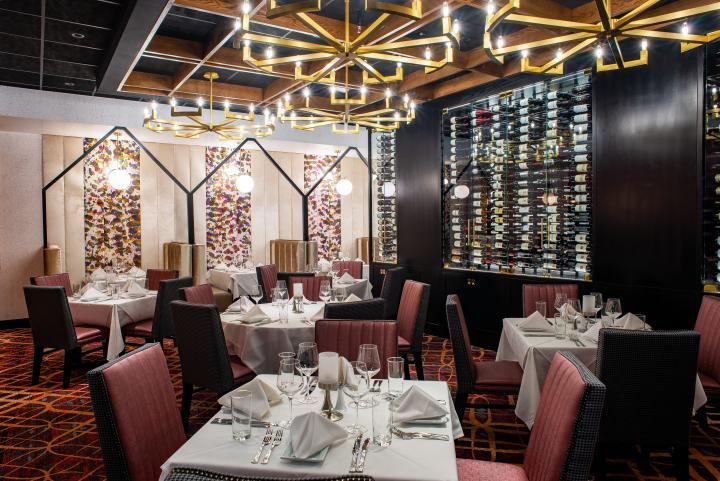 Ruth's Chris dining room.