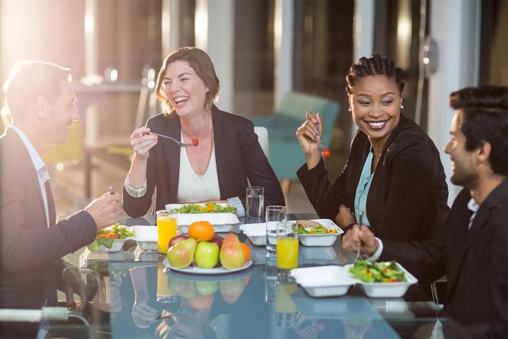 Call out healthy menu items to attract business diners.