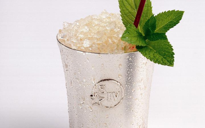 Maker's Mark' Mint Julep served over ice.
