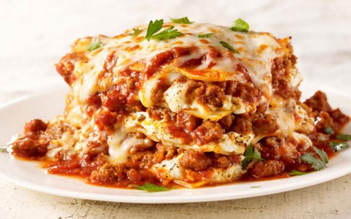 Maggiano's lasagna.