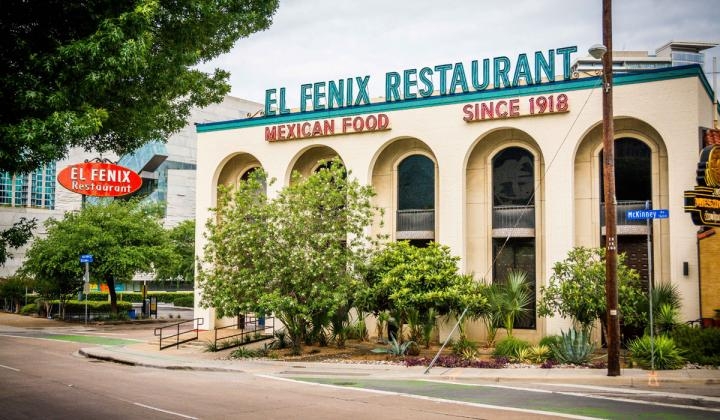 El Fenix has been a Dallas restaurant icon since 1918.