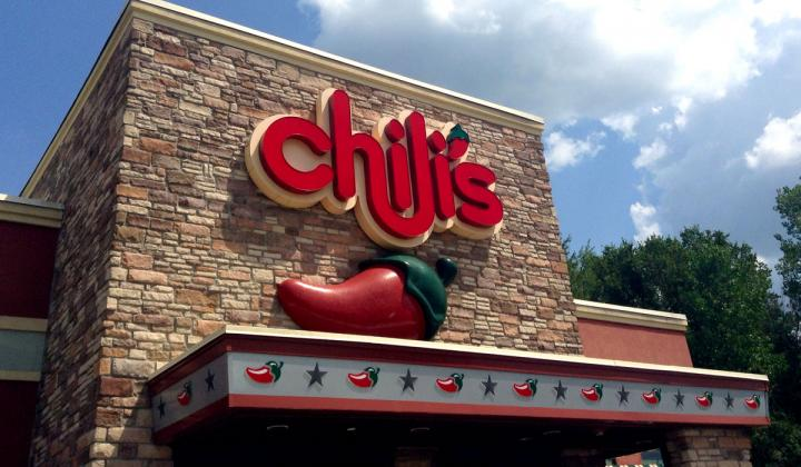 The front of a Chili's restaurant.