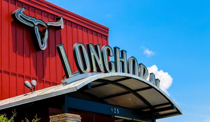 LongHorn Steakhouse has a smaller menu, but it hasn't slowed down sales.