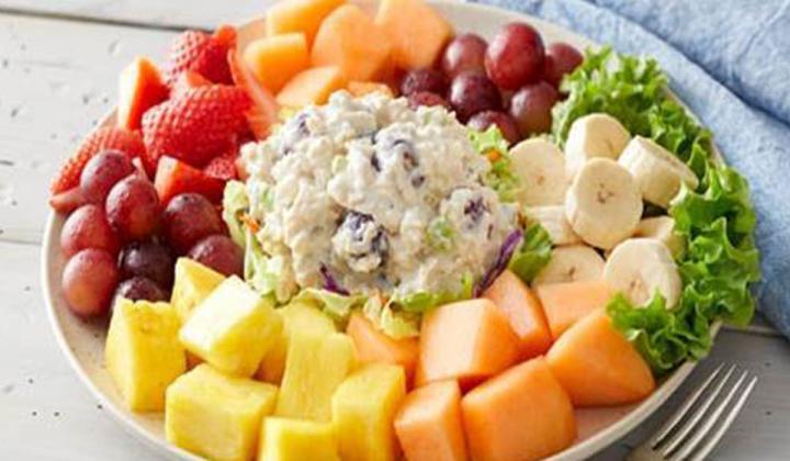 Bob Evans Brings Back Chicken Salad For 10 99 Fsr Magazine