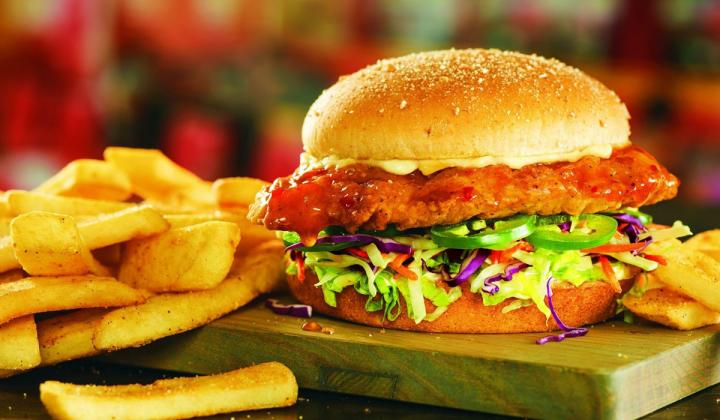 The Island Heat Chicken Sandwich at Red Robin, with fries.