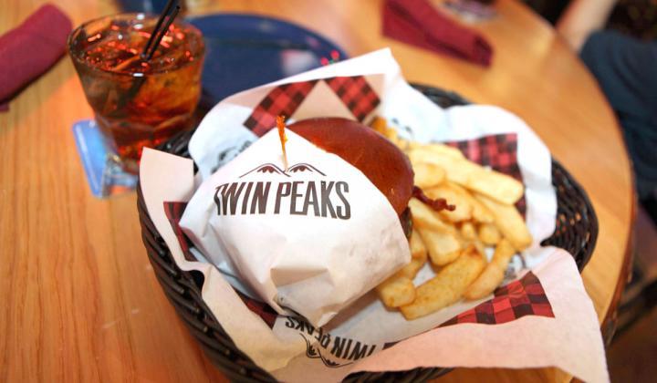Twin Peaks Burger